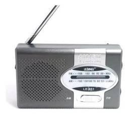R$44,90 - Rádio Bolso Portátil Am Fm Lelong Le-651 Com Fone De Ouvido