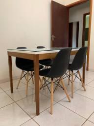Jogo de Jantar c/ 4 Cadeiras