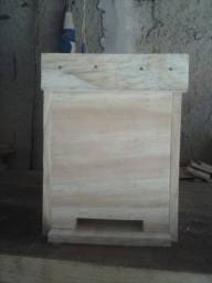 Caixa isca pra abelha africanizada