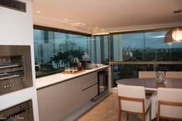 Luxuoso apartamento com 5 suítes a poucos metros da Praça de Casa Forte