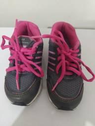 Vendo tênis infantil feminino tamanho 24
