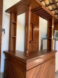 Barzinho de madeira