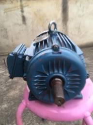 Título do anúncio: Motor WEG 5 cv trifásico sem uso