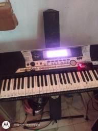 Vendo teclado Yamaha modelo 550