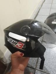Título do anúncio: Vendo capacete tam 54....60$