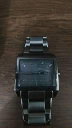 Relógio Armani Exchange AX2211/1PN Prata<br><br>