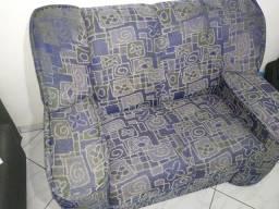 Excelente sofá de dois lugares