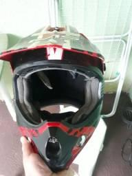 Vendo capacete .