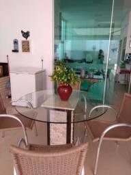 Duas mesas redondas p/ varanda com 4 cadeiras cada, em ótimo estado de conservação