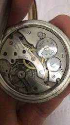 3 relógios Tissot, Ômega e Maximum