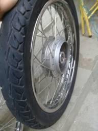 Vendo roda com pneu 90/90 de titan start 160 2019