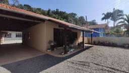 Casa com galpão boa fundos ótima localização bairro Quintino