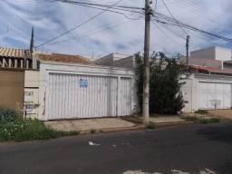 Casa com 3 dormitórios à venda, 10 m² por R$ 450.000,00 - Jardim São Bento - Uberaba/MG