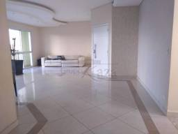 Apartamento - Padrão com 2 Garagens à Venda, 216.00 M²
