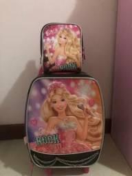 Vendo mochila de rodinha e lancheira da Barbie