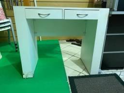 Mesinha de apoio para loja ou escritorio 0,89 largura x 0,45 profundidade x 0,76 de altura