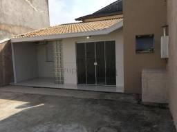 Casa - Residencial Cambuí - 1 dorm (suite)