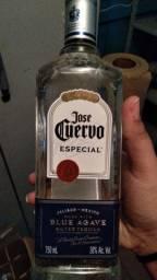 5 garrafas de tequila cada uma 90 reais