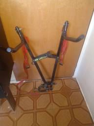 Suporte para bicicleta, para ser usada no engate do carro.