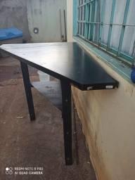 Mesa de canto de ferro