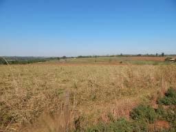 Sítio com área de 145.000 m², frente para Castelo Branco