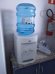 Bebedouro de água semi usado