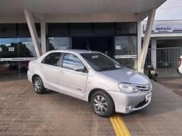 Toyota Etios Sedan 1.5 X Flex - 2013/2014 - R$ 34.000,00