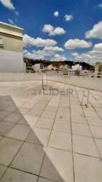 Aluga-se Apartamento com terraço no Centro