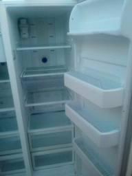 Título do anúncio: Geladeira usada potencia de um frizer gelo seco