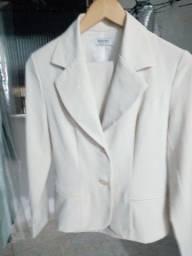 Conjunto de blazer e calça hidromel cor nude