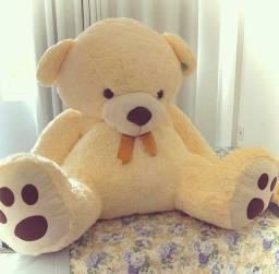 Urso de pelúcia grandão