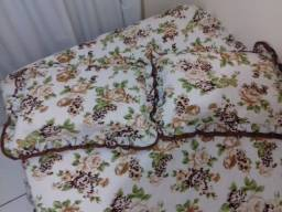 Conjunto de colcha e capas de travesseiro