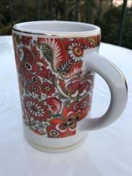 Título do anúncio: Antiga Caneca Porcelana Floral Muito linda Decoração Coleção