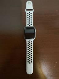 Apple Watch series 4 + Nike sports 44 mm