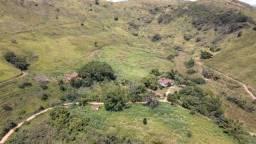 Fazenda com 58 alqueires localizada no município de Paraiba do Sul, RJ.