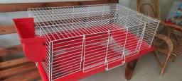 Vendo uma gaiola usada em bom estado de conservação, é bem grande um metro