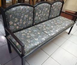 Sofá Antigo de Madeira Maciça