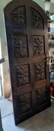 Porta rústica de madeira maciça