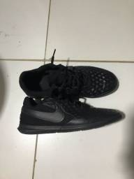 Sapato de futsal Nike Tiempo Legend 8 Club, TAM: 38