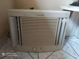 Ar-condicionado 7 mil Btus, 110 volts
