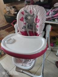 Cadeira de alimentação da marca Infanti