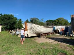 Barco para passeio ou pesca