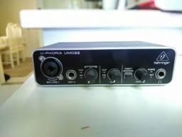 Interface de áudio Behringer U-Phoria UCM22