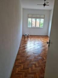 Lindo e Amplo Apartamento 2 quartos no Fonseca