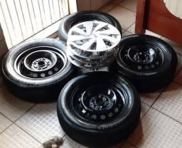 """Roda 14"""" 4x100 originais Toyota Etios + Pneus meia vida"""