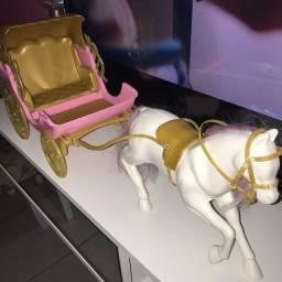 vendo brinquedo carruagem da disney.