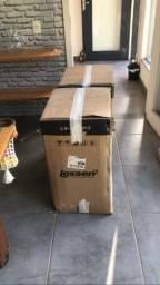 Par de caixa Lexsen ainda com as embalagens