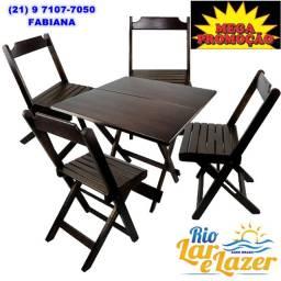 Mesa com 4 cadeiras em madeira maciça dobrável. No tamanho de 70 x 70