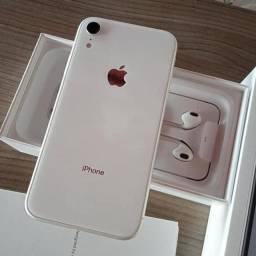 Título do anúncio: Iphone XR branco 64g semi novo