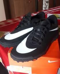 Chuteira Nike socyte N° 37